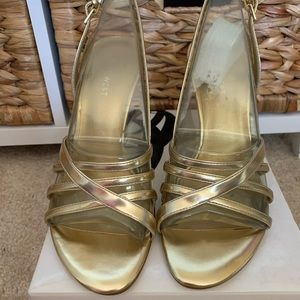 New Nine West gold sandals size 7